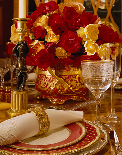 Colorful place setting for the holidays