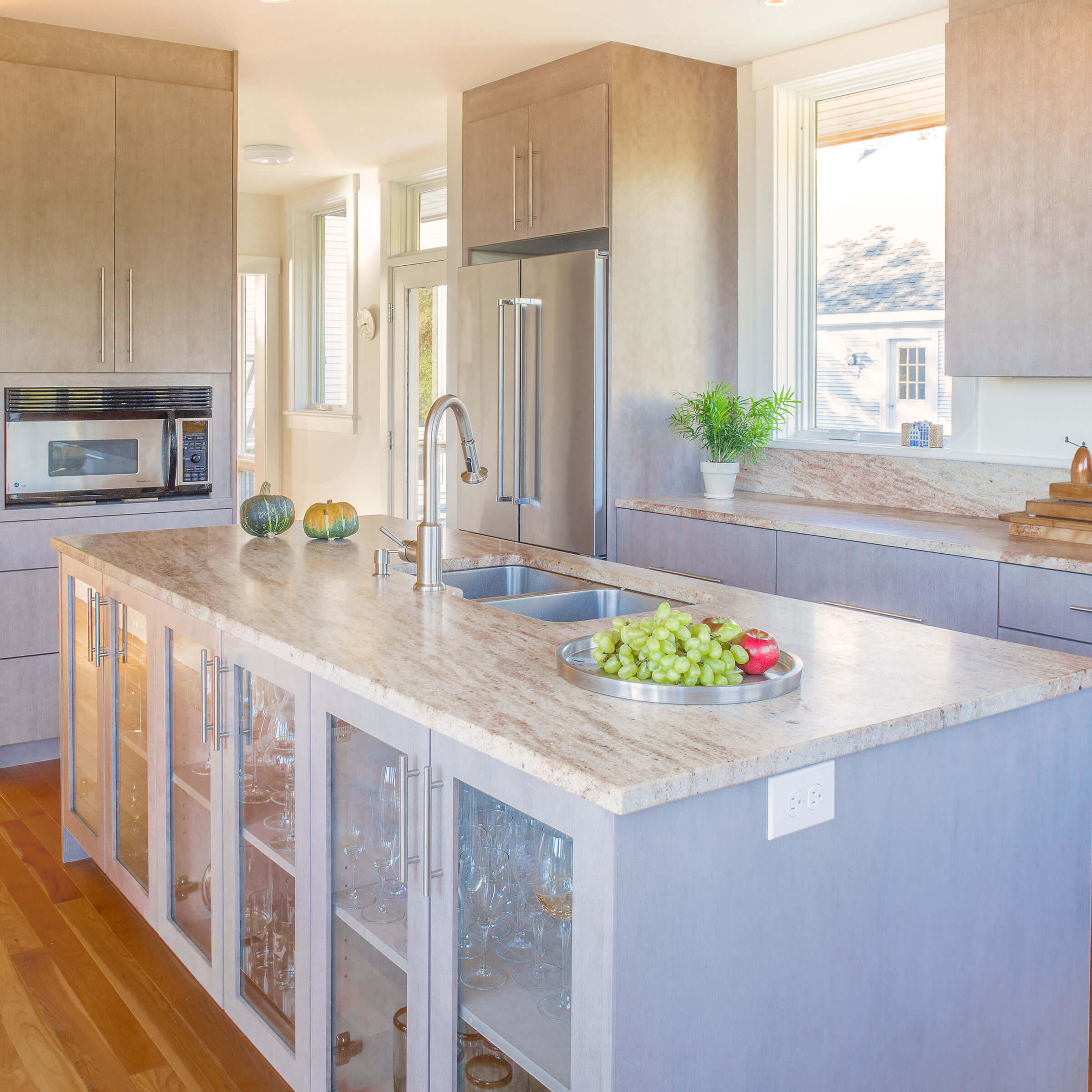 Sunny Kitchen With Elevate Windows