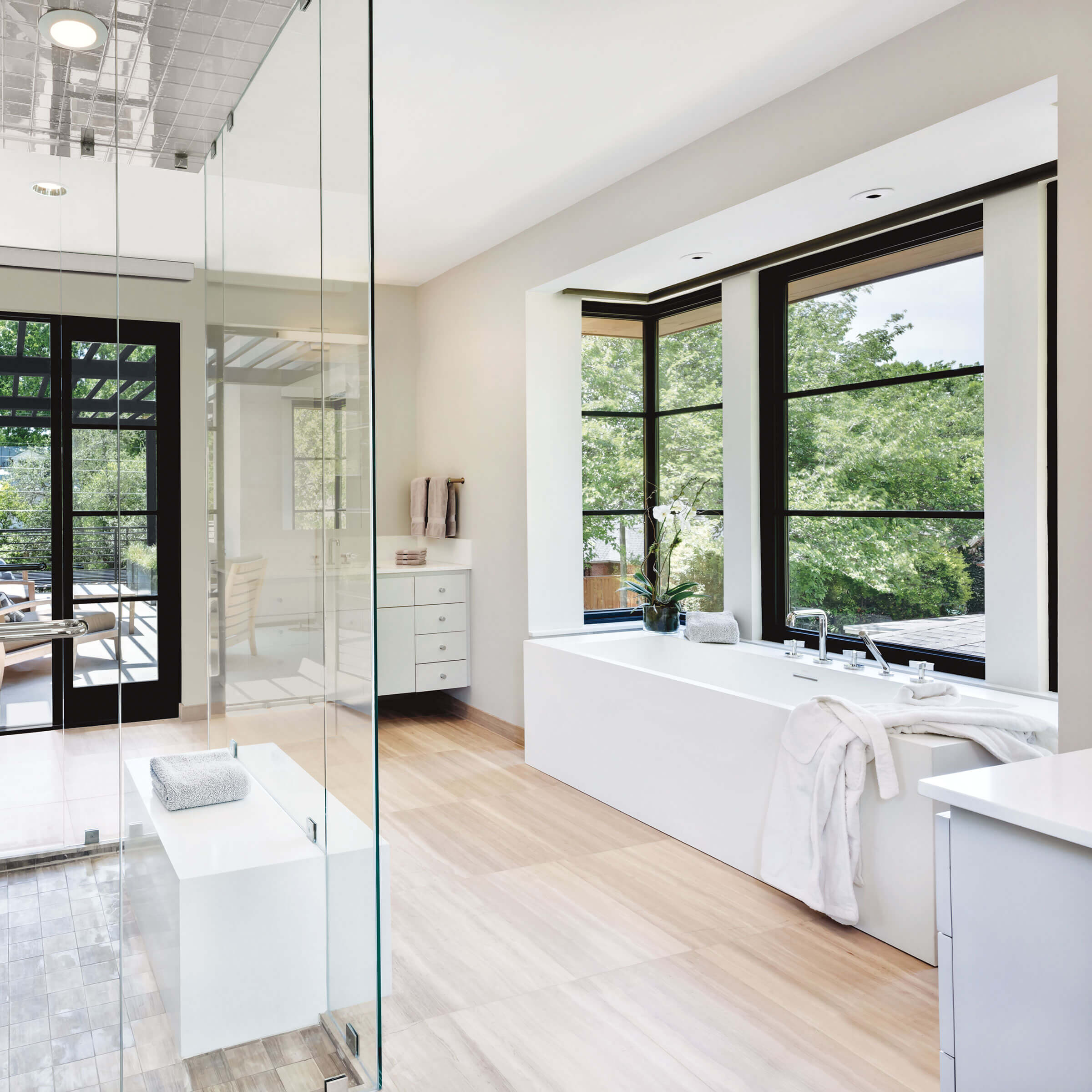 Bathroom With Signature Ultimate Casement Narrow Frame Windows