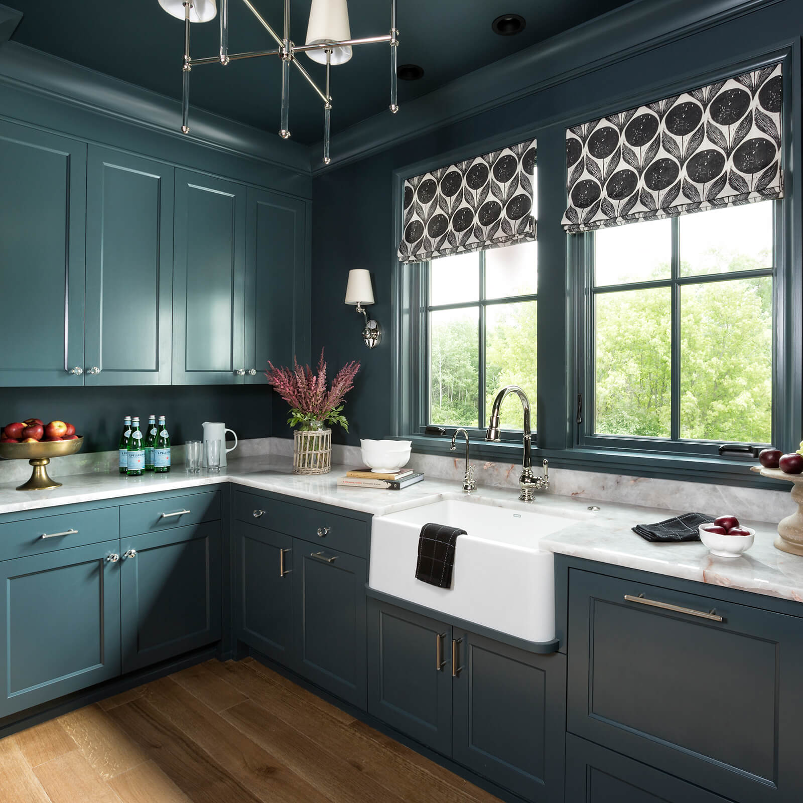 Modern farm style kitchen with Marvin Signature Ultimate Casement Windows