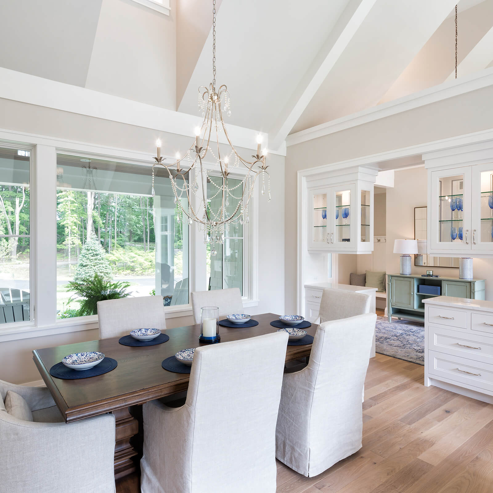 Open concept dining area with Marvin Elevate Casement Windows and Elevate Direct Glaze Windows