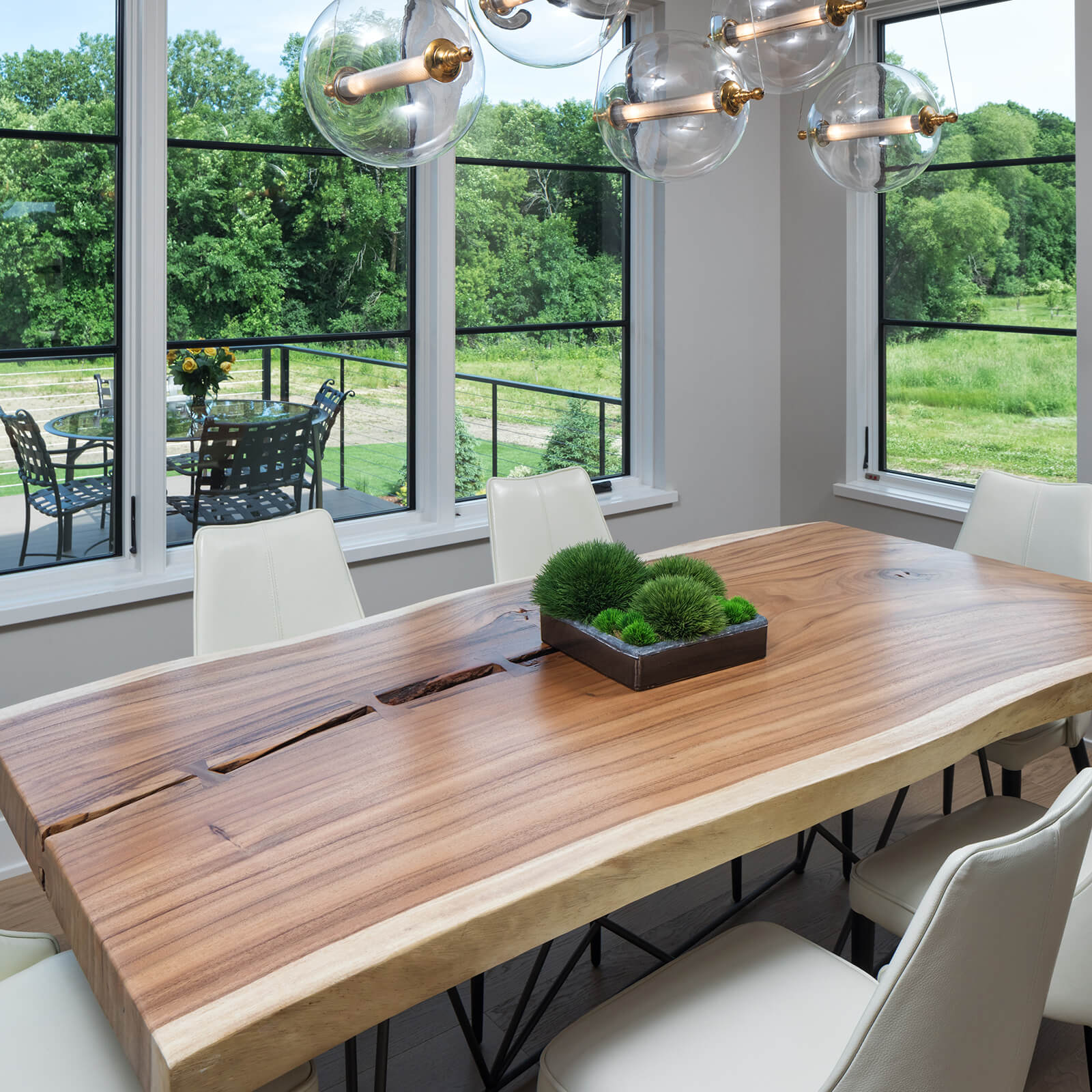 Dining room with Marvin Elevate Casement Windows