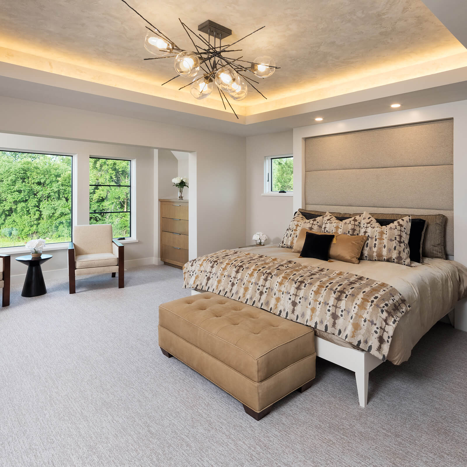 Large bedroom with Marvin Elevate Casement Windows and Elevate Direct Glaze Windows