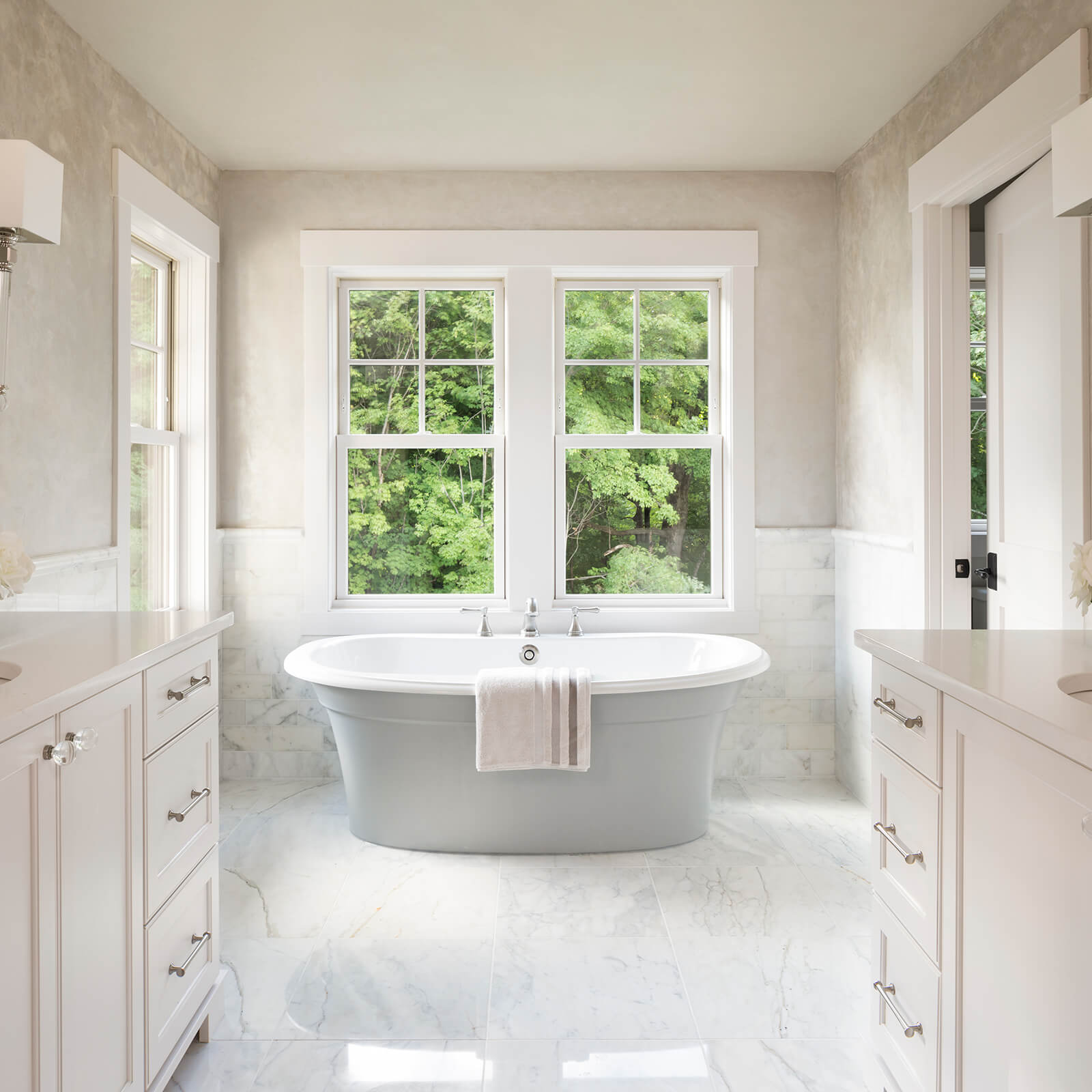 Large bathroom with Marvin Elevate Double Hung Windows