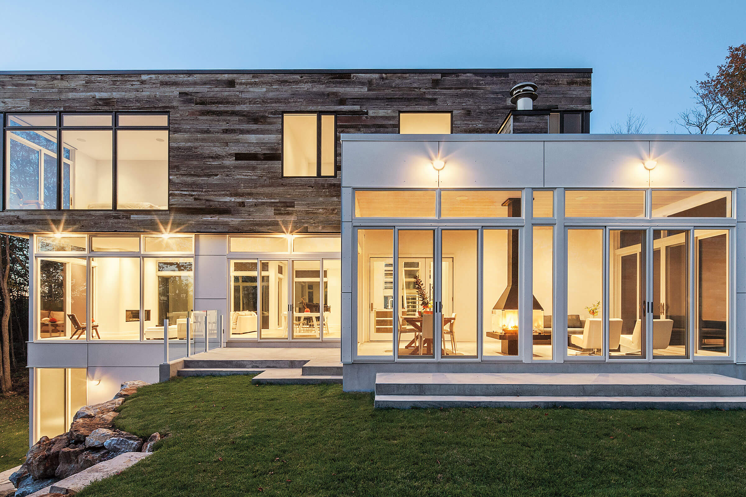 Brightly Lit Contemporary House With Signature Ultimate Sliding Patio Door