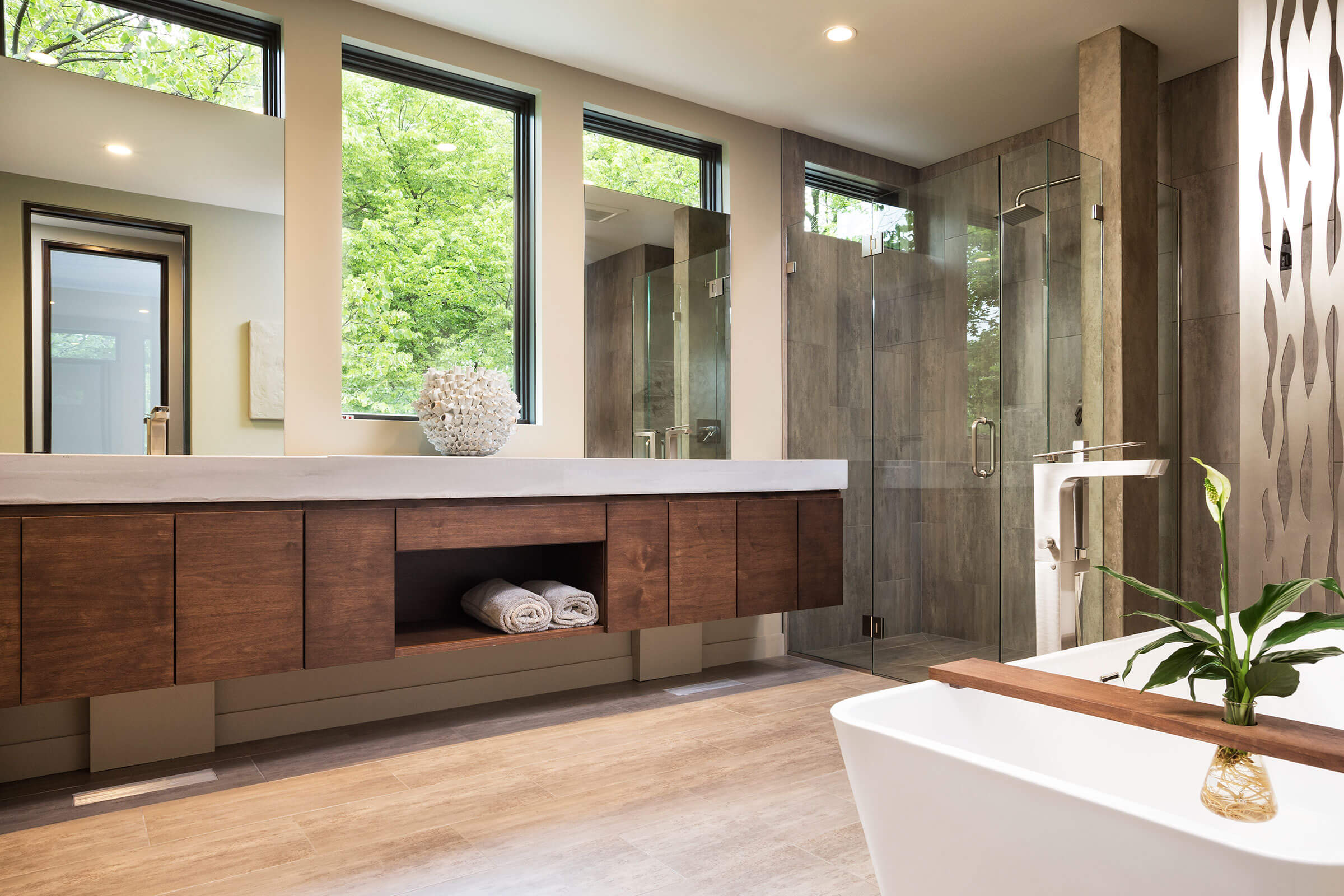 Bathroom With Elevate Casement Windows